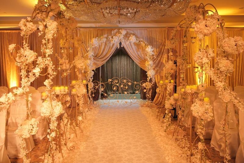 King Dahl Event Design Custom Designed Floral Aisle